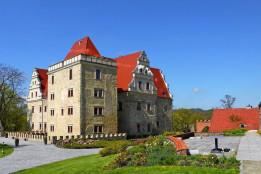 Hotel & SPA **** Uroczysko Siedmiu Stawów / 20 minut autem od Szkoły Windsurfing nad Jeziorem Bielawskim.
