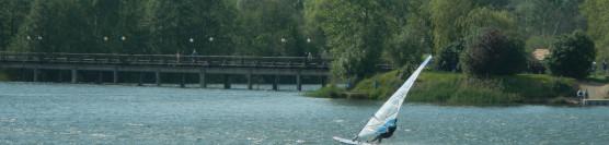 Film z Kursu windsurfing i imprezy otwarcia sezonu windsurfing nad Jeziorem Bielawskim.